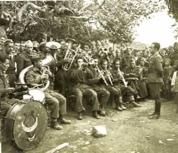 Αποτέλεσμα εικόνας για Συναυλία από μπάντα του ΕΛΑΣ (φωτογραφια Σπ Μελετζή)